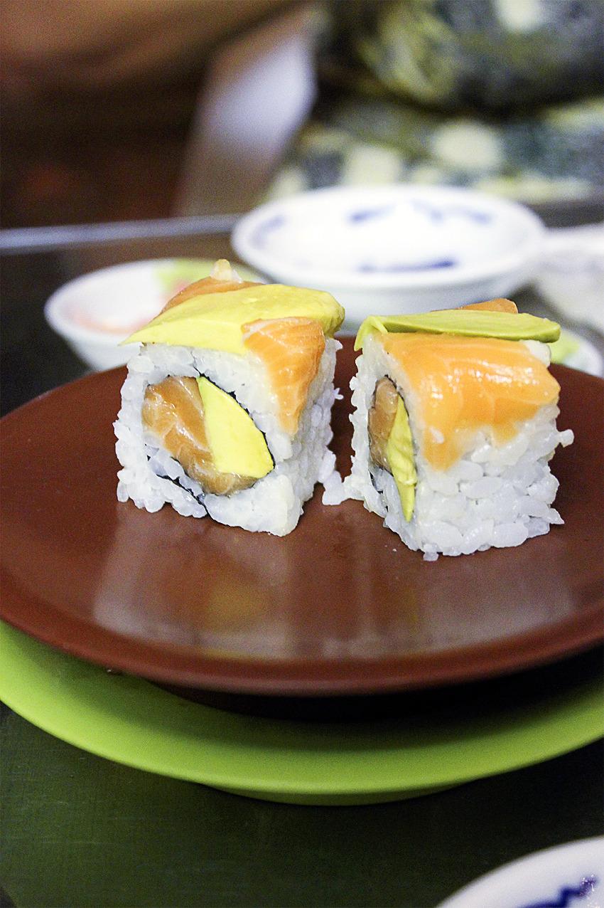 Salmon & Avocado Maki.