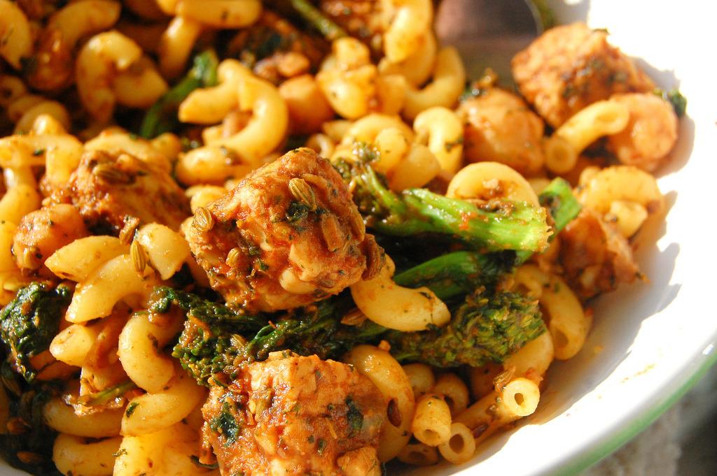 Recipe: Spicy Tempeh and Broccoli Rabe