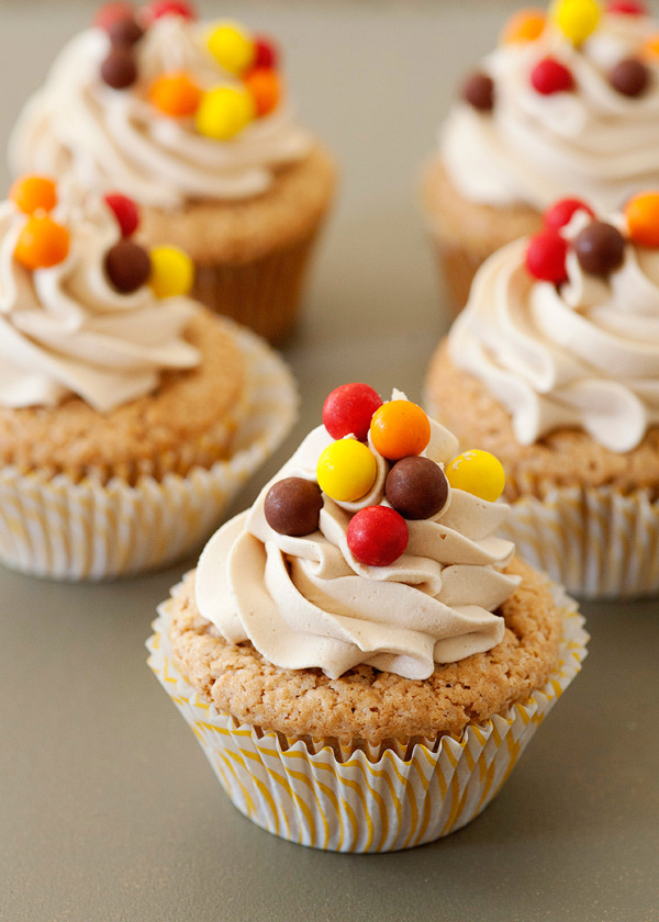 Recipe: Biscoff Cupcakes with Biscoff Buttercream
